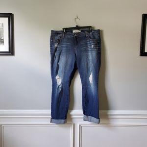 TORRID   Distressed Boyfriend Jeans   18